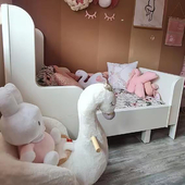 We are so in love with Katarina Louise's bedroom and how our Rocking Chair Swan Ivy matches with the swan theme! 🦢   📸: @angelakiserm     #trycobab #flamingonursery #rockinganimals #rockinganimal #swan #swanivy #nurseryinspo #girlnursery #peacocknursery #mumswhostyle #babymusthaves #babygifts