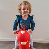 Just hop on and off you go! 🐮     📷: @mirelle.v.rooij     #trycobaby #bouncy #bouncycow #playtime #cowbabygear #playtime #kidsimagination #playingoutside #playoutside